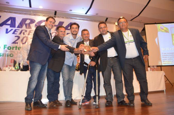Beto Rosado entrega premiação a vereadores de São Paulo do Potengi