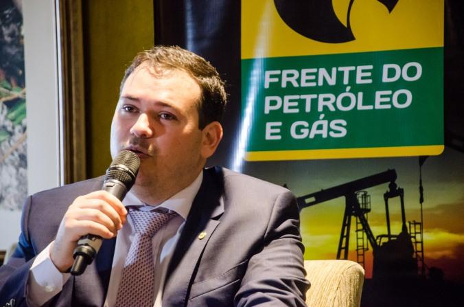Beto Rosado comanda Frente do Petróleo e Gás em Brasília