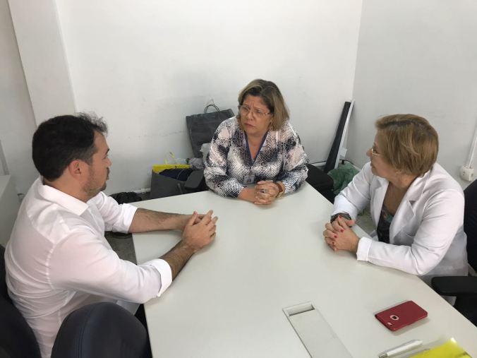 Diretora do Hospital Walfredo Gurgel Dra Maria de Fátima e a chefe do setor financeiro Luzicina