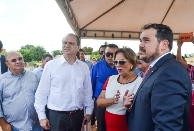 Beto_Com_Ministro_E_Prefeita